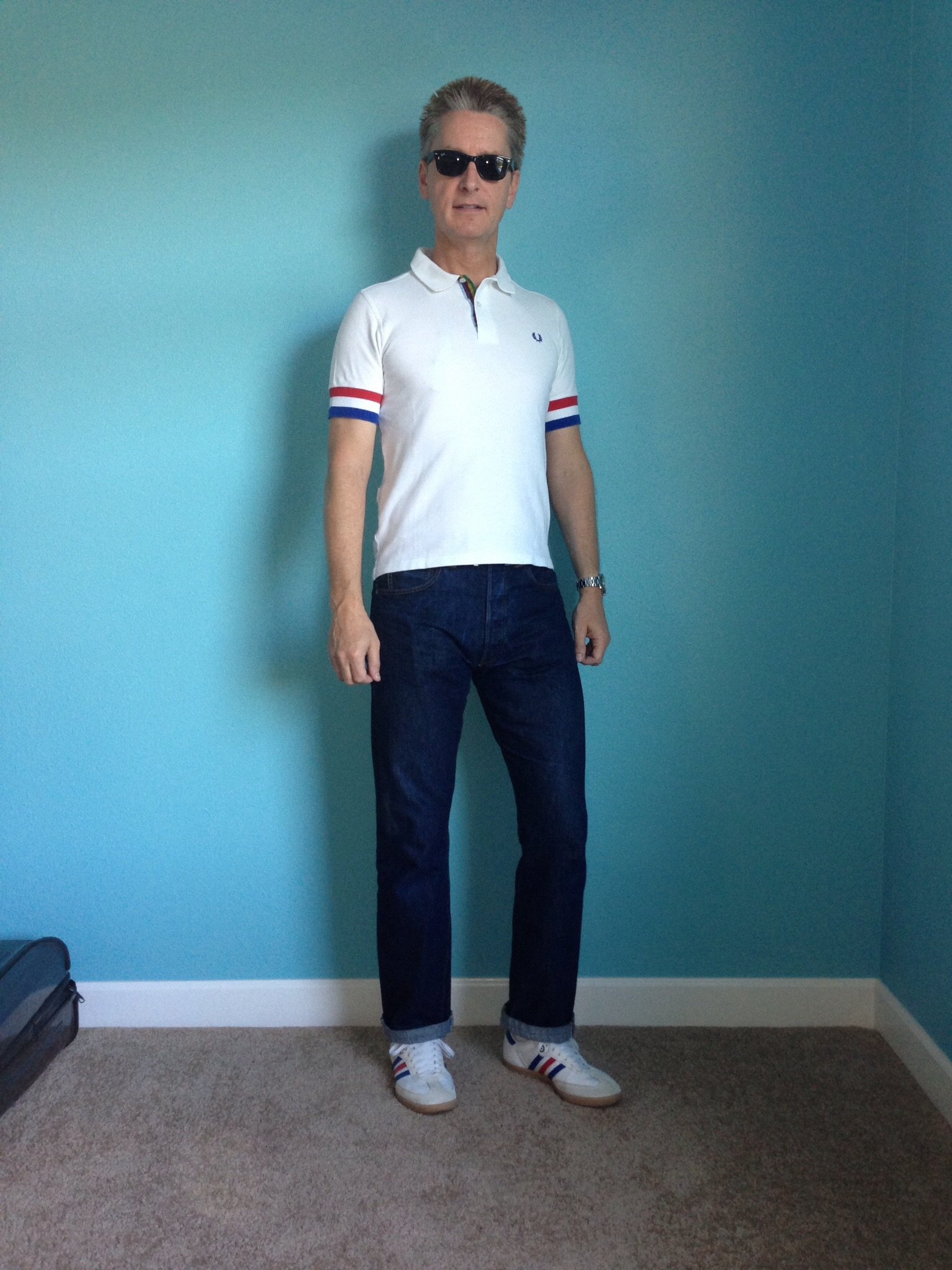 white adidas samba with jeans